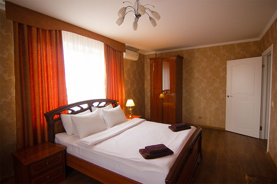 1-комнатная квартира Студия - Люкс, Революционная 11Б